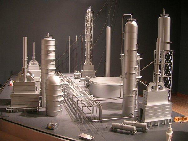http://www.kiwimill.com/wp-content/uploads/2012/09/refinery-model-1.jpg