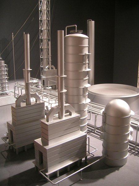 http://www.kiwimill.com/wp-content/uploads/2012/09/refinery-model-3.jpg