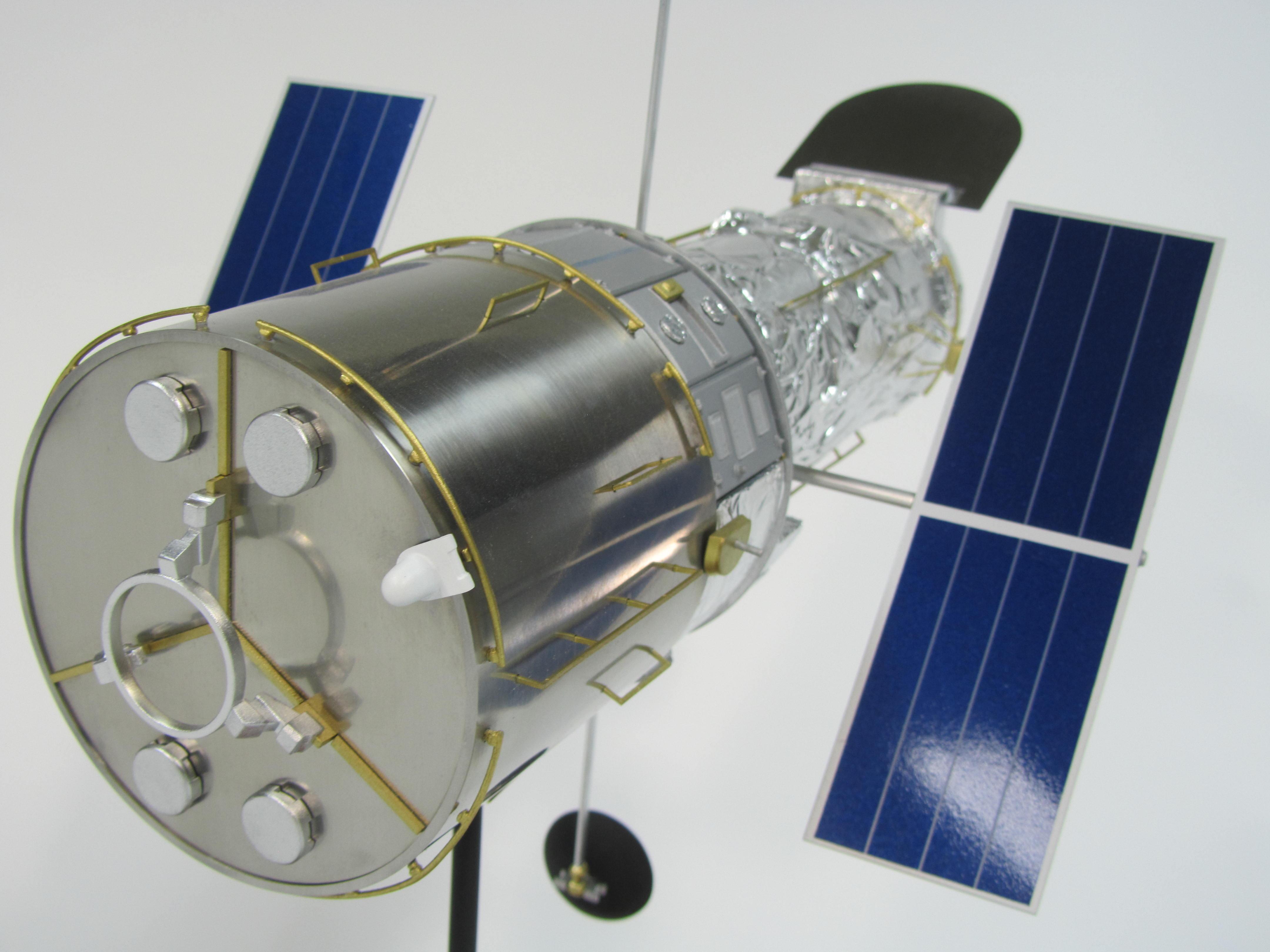 pennwalt model hubble space telescope - photo #45