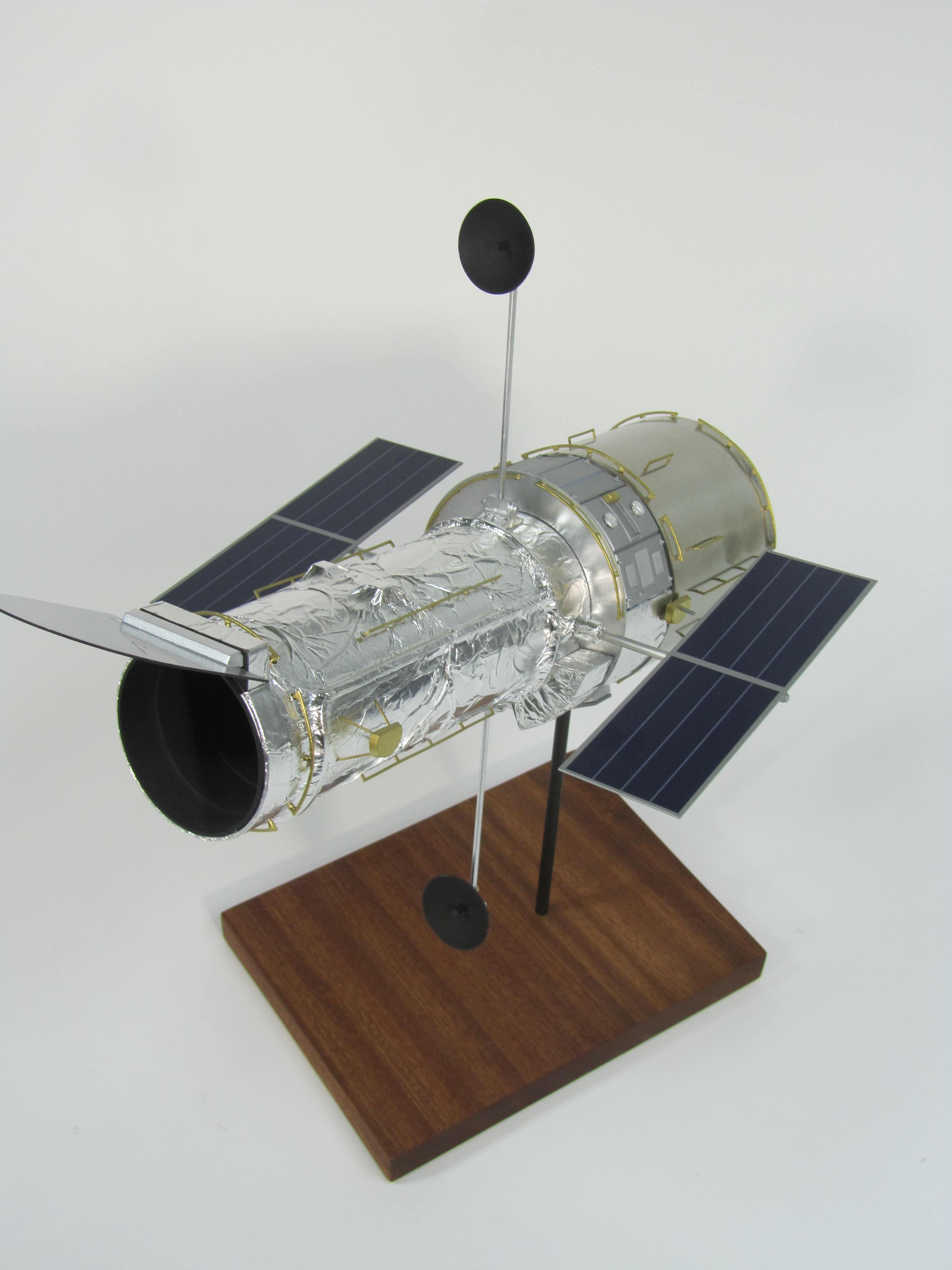 pennwalt model hubble space telescope - photo #16